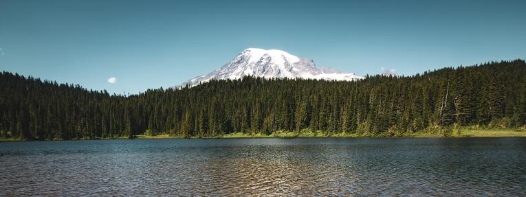 Travel-Canada-lake