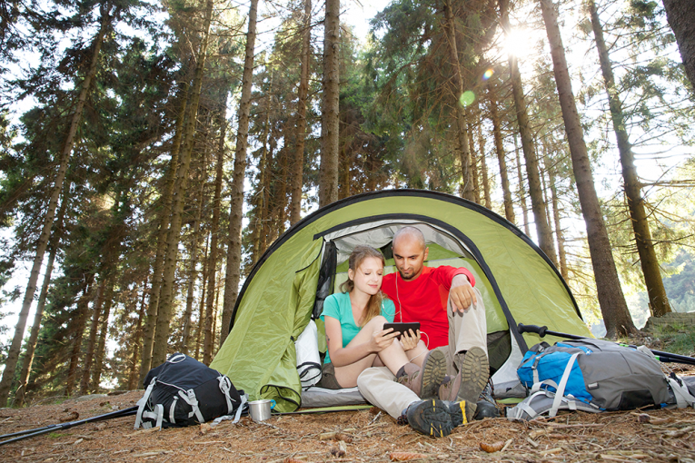 couple-facetime-camping